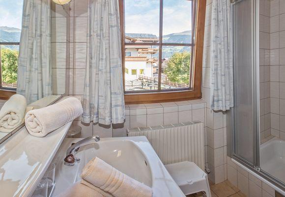 Bathroom in Apartment Ahorn North